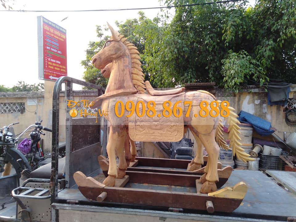 ngựa gỗ mít sơn son thếp vàng